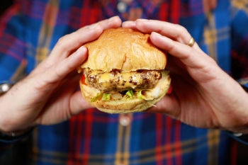 Shed hands around the burger